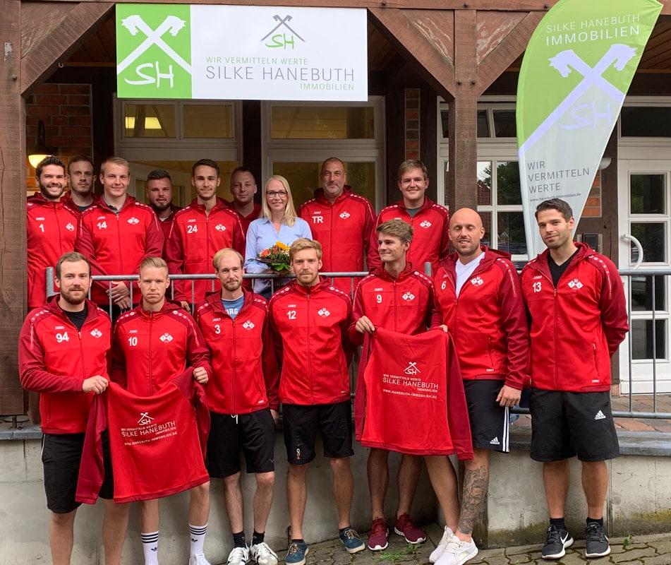 Silke Hanebuth sponsort Herrenmannschaft