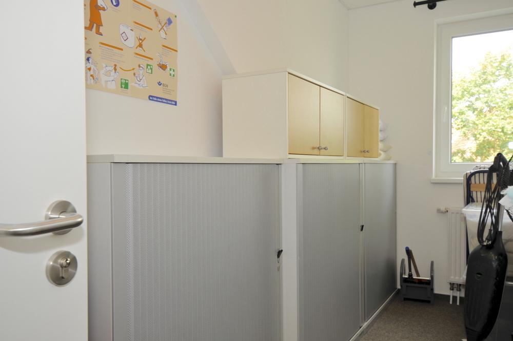 Abstellraum oder kleines Büro im Obergeschoss
