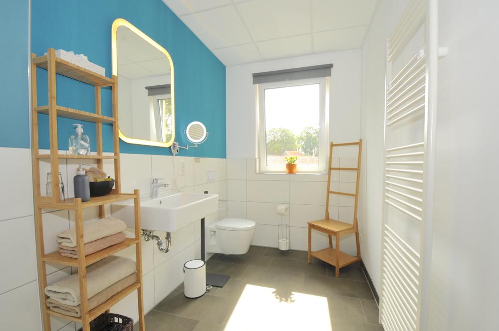 Badezimmer Zimmer 2 im Obergeschoss Mitte