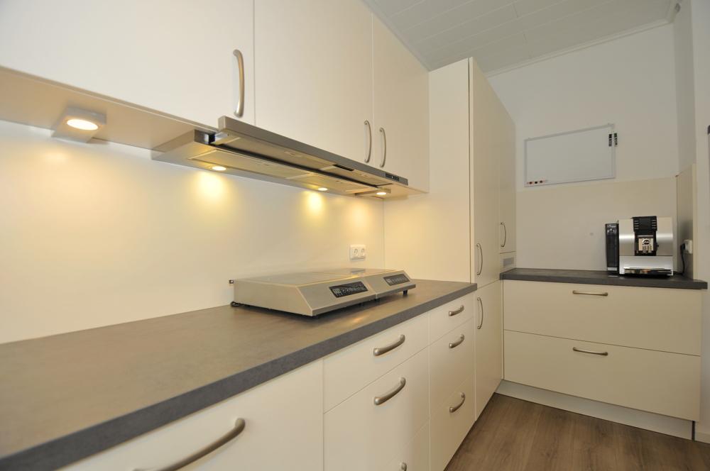 Küche mit neuer Einbauküche
